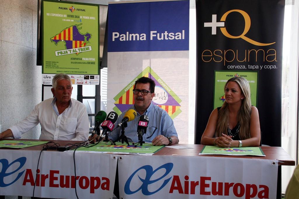 Jaume Coll, Miquel Jaume y Belén Luna durante la presentación (Copiar)