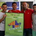 Sergio, Taffy, Vadillo y Burrito con el cartel de la campaña de abonados (Copiar)