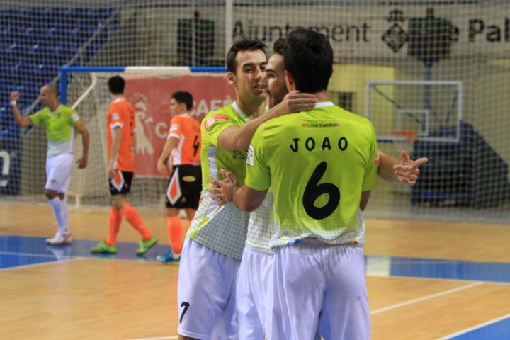 Celebración del gol de Chicho para el Palma Futsal (Copiar)