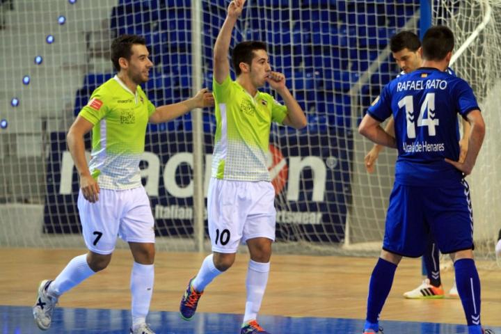 Celebración del gol de Joselito, el primero del partido (Copiar)