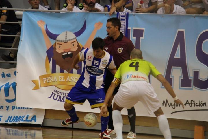 Kiki y Vadillo en otro momento del partido que ganó el Palma Futsal (Copiar)