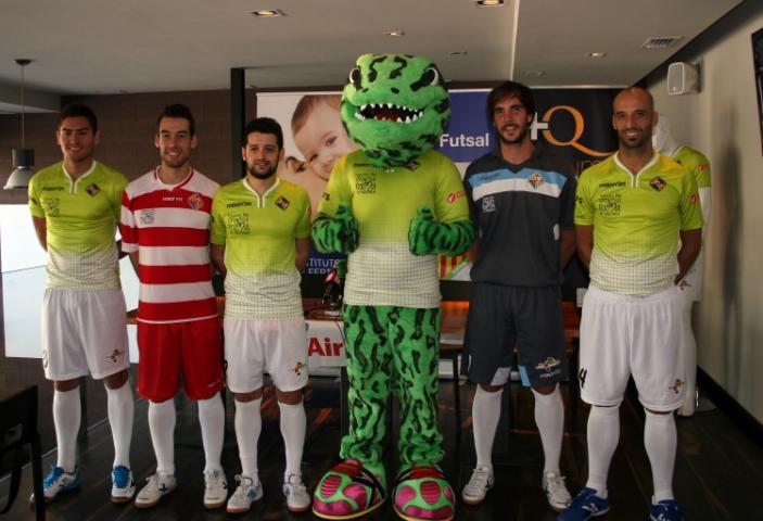 Las nuevas equipaciones del Palma Futsal y la mascota 2 (Copiar)