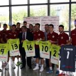 Los jugadores del Palma Futsal con Mario Hidalgo (Copiar)