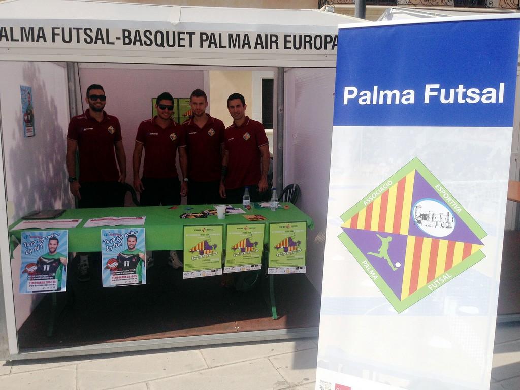 Tomaz, Taffy, Paradynski y Joao promocionan el Palma Futsal en la Fitness Palma 2 (Copiar)