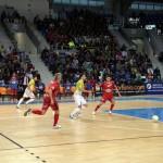 Chicho conduce una jugada ofensiva del Palma Futsal (Copiar)