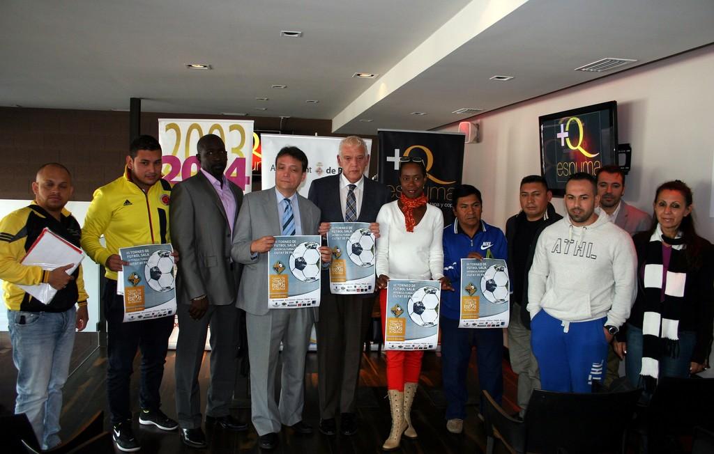 Imagen de la presentacio del torneo con los delegados de todos los equipos participantes (Copiar)