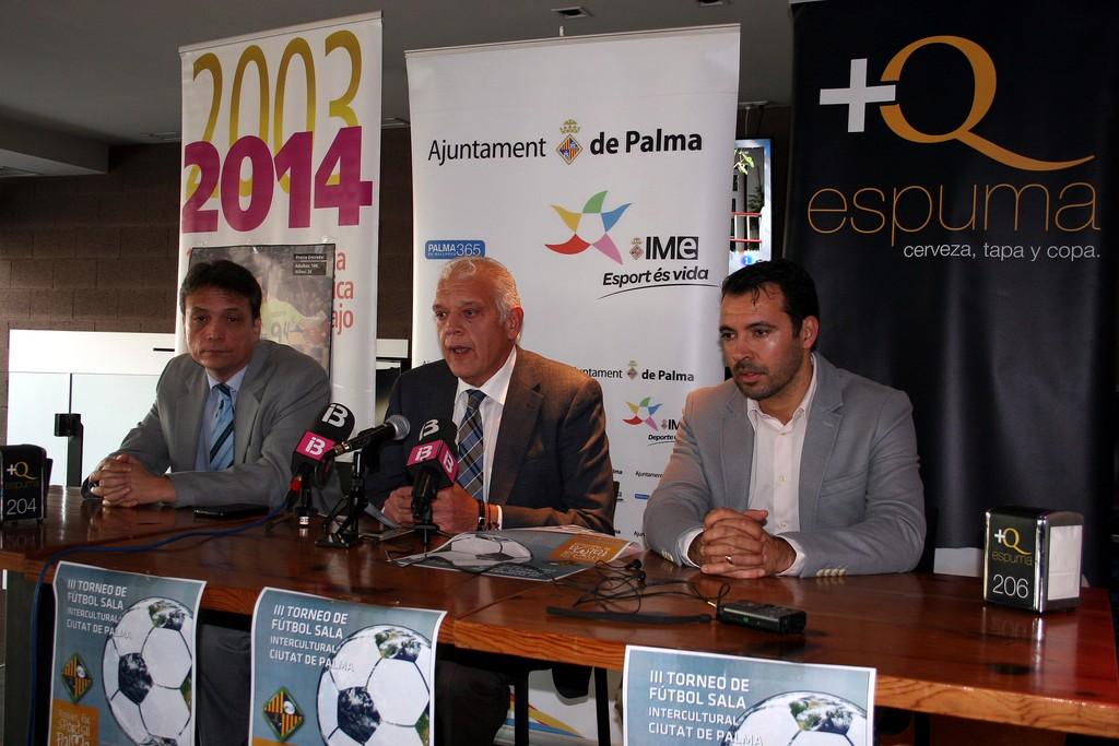 Juan Pablo Blanco, Damià Vich y José Tirado en la presentación del III Torneo Intercultural (Copiar)