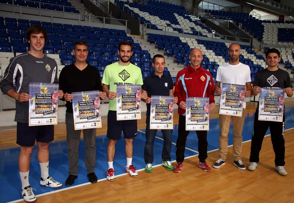 Barrón, Chicho, Juanito y Vadillo, con el campus de verano 1 (Copiar)
