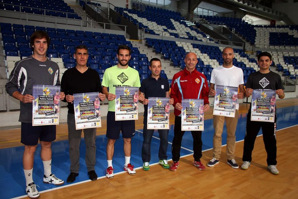 Barrón, Chicho, Juanito y Vadillo, con el campus de verano 3 (Copiar)