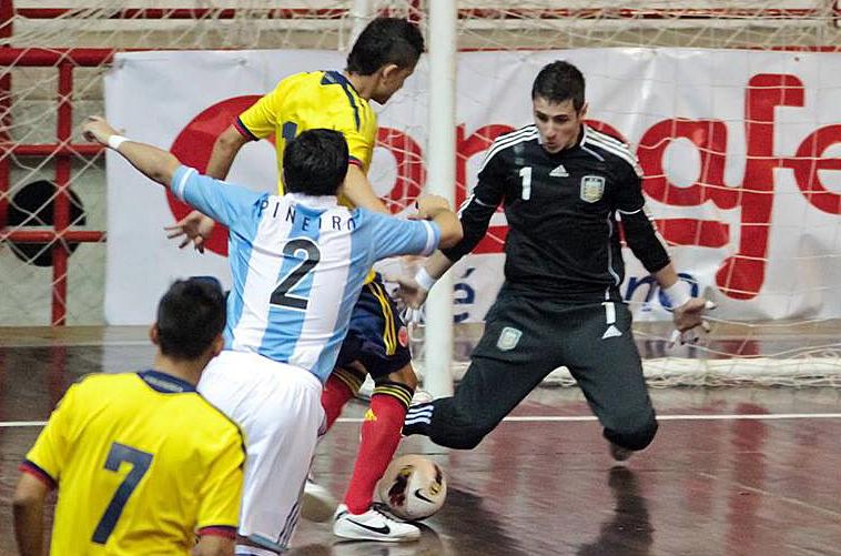 Nico Sarmiento en un partido de Argentina contra Brasil - Foto Gennaro Pascale