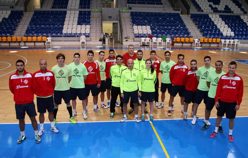 El Palma Futsal posa antes del entreno de este viernes en Son Moix 1 (Copiar)