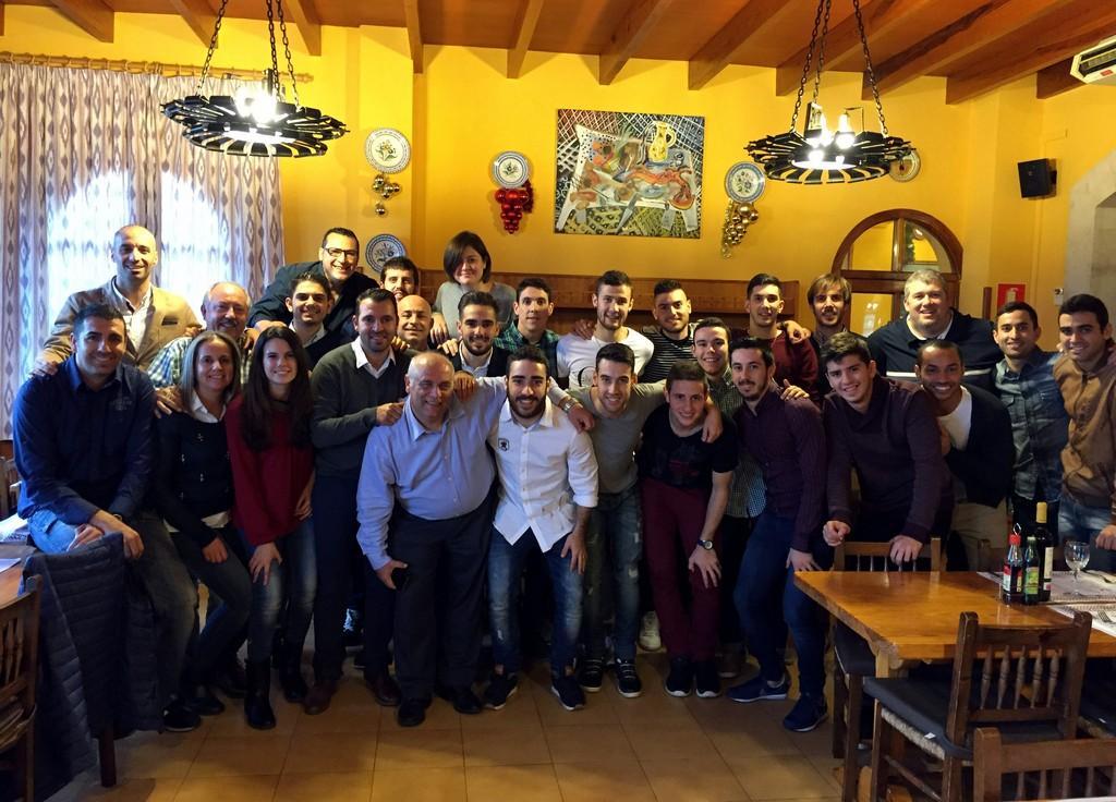 El Palma Futsal aúna fuerzas en la comida navideña del equipo 2 (Copiar)
