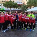 El Palma Futsal, antes de la carrera, con el pequeño Izan Pérez (Copiar)
