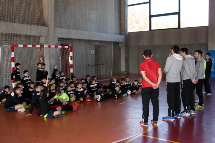 Los niños del campus preguntan a Juanito, Barrón, Pizarro y Joselito 3 (Copiar)