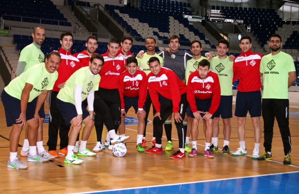 El Palma Futsal posa en Son Moix con Helinho, último fichaje 1 (Copiar)