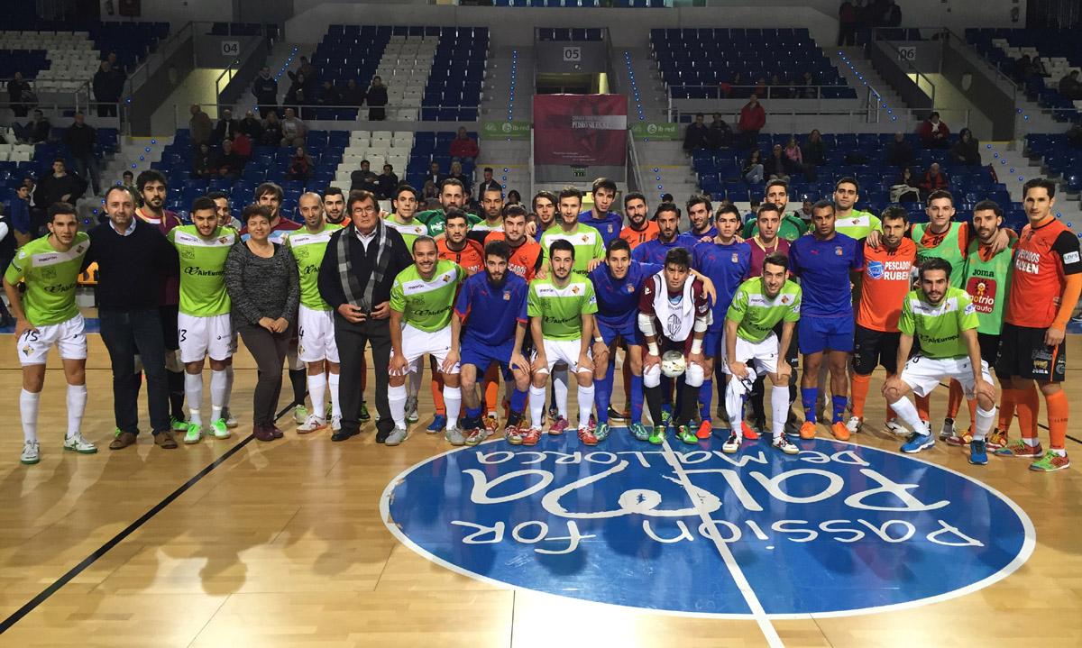 El Palma Futsal posa con la Selección Balear, el Burela Pescados Rubén y las autoridades 1