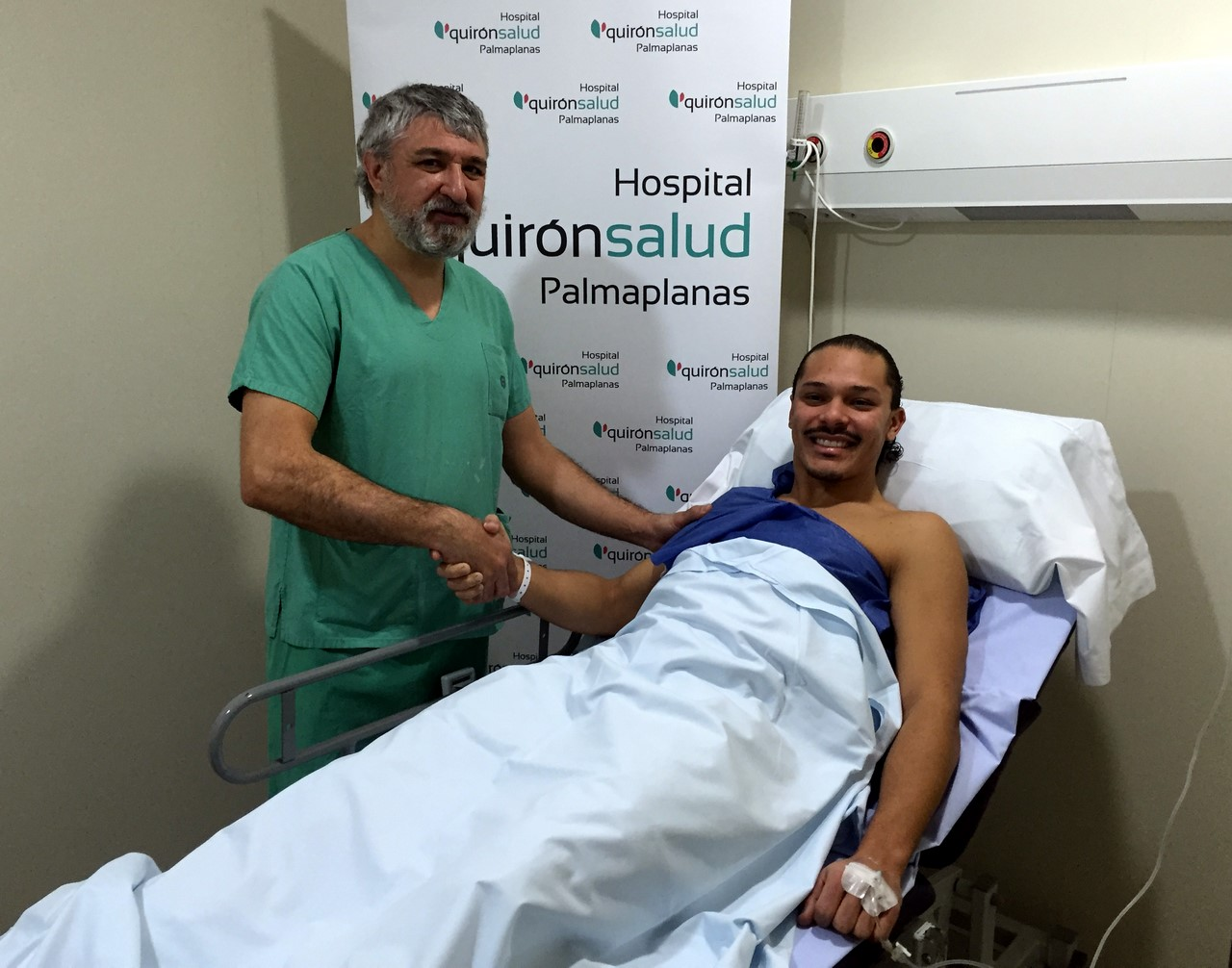 Miguel Mas y Helinho tras la operación 1 (Copy)