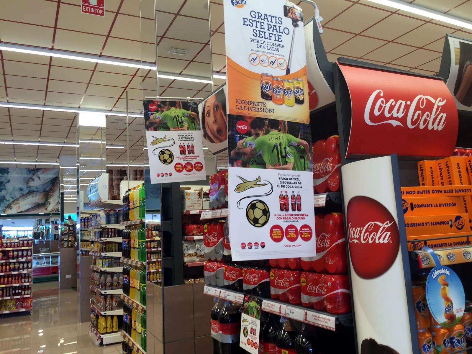 Coca Cola promociona al Palma Futsal en los supermercados Hiper Centro 1