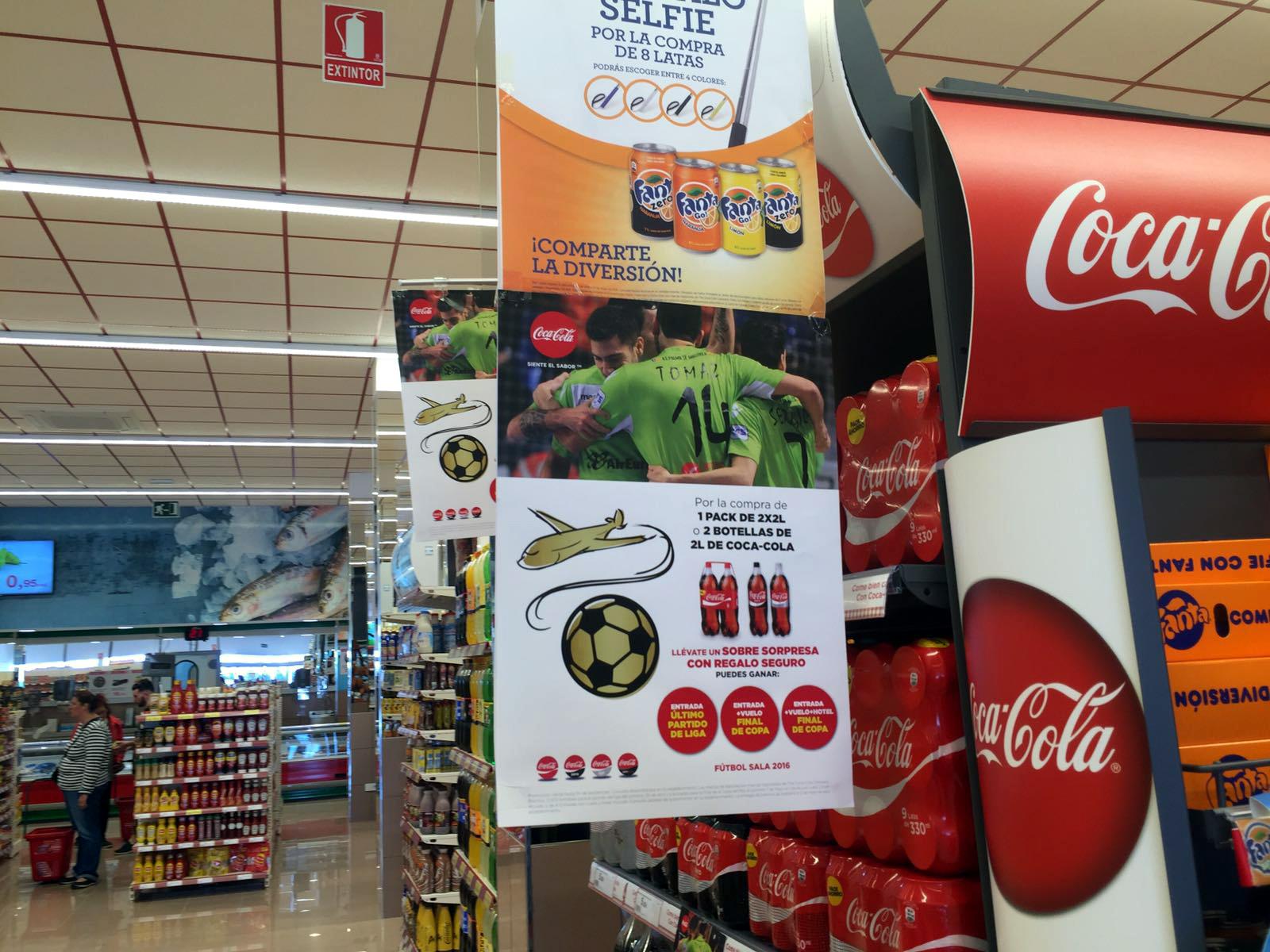 Coca Cola promociona al Palma Futsal en los supermercados Hiper Centro 2