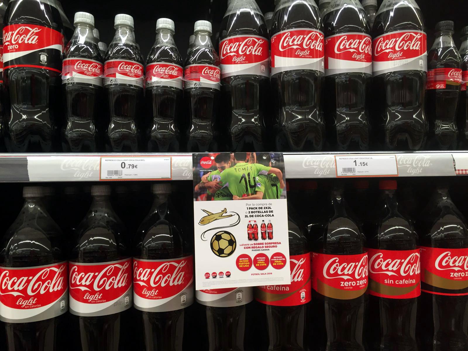 Coca Cola promociona al Palma Futsal en los supermercados Hiper Centro 3