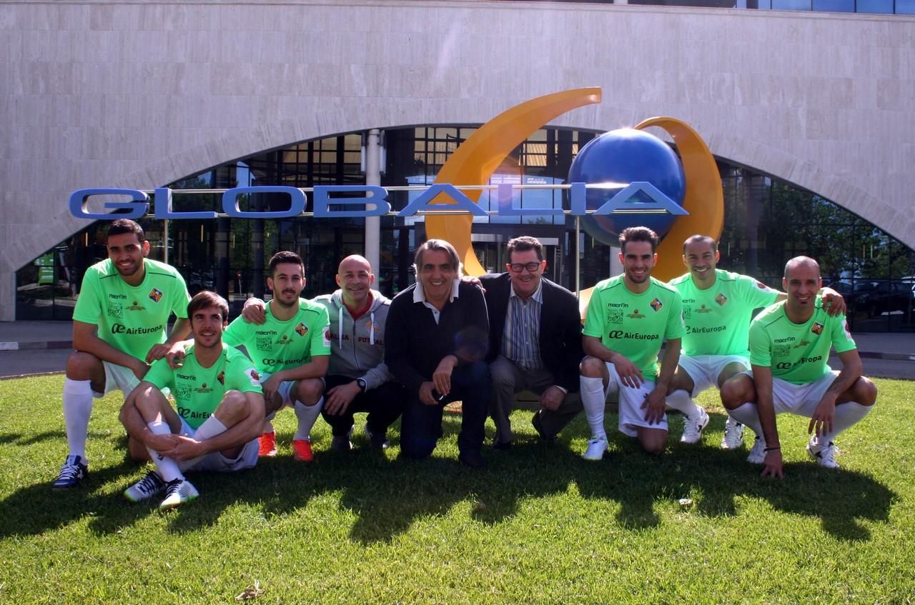 Mario Hidalgo, Miquel Jaume y jugadores, en Globalia 1 (Copy)