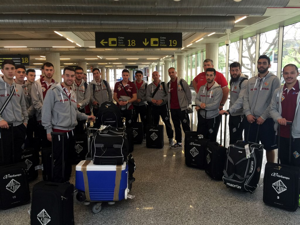 La expedición del Palma Futsal a su llegada a Palma 1 (Copiar)