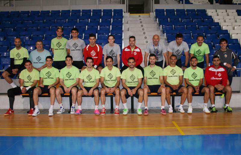La plantilla del Palma Futsal posa hoy en Son Moix 1 (Copy)