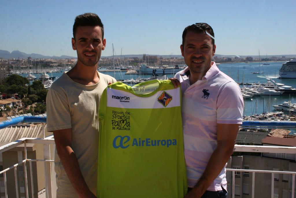 Eloy Rojas y José Tirado en la terraza del Hotel Amic Horizonte (Copiar)