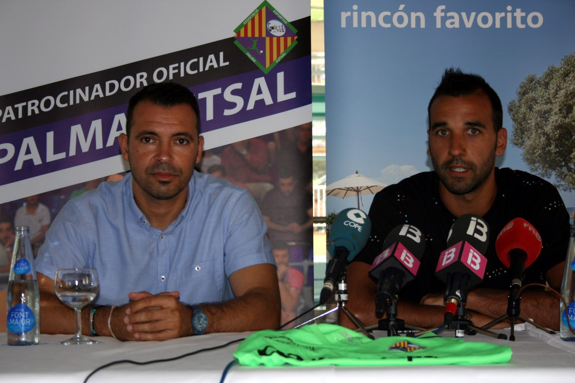 José Tirado presenta a Carlitos (Copiar)