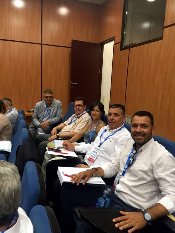 Miquel Jaume y José Tirado con los representantes del Catgas Energía 1 (Copiar)