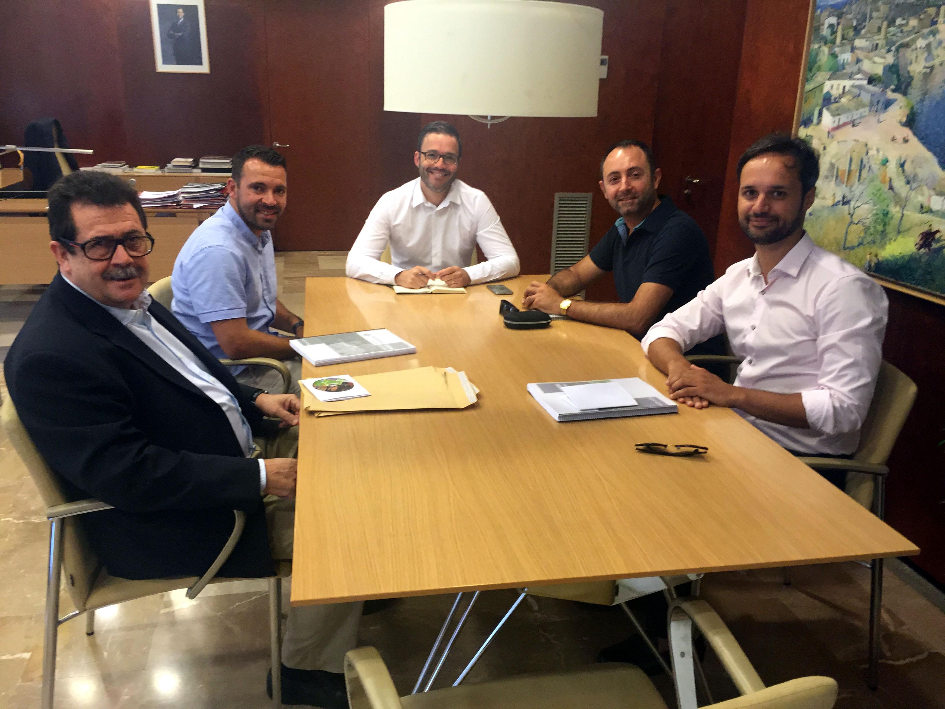 Miquel Jaume y José Tirado se reunieron con José Hila, alcalde de Palma