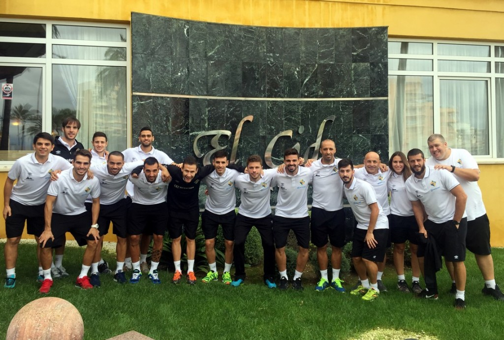 La plantilla del Palma Futsal en el Hotel THB El Cid antes de viajar (Copiar)