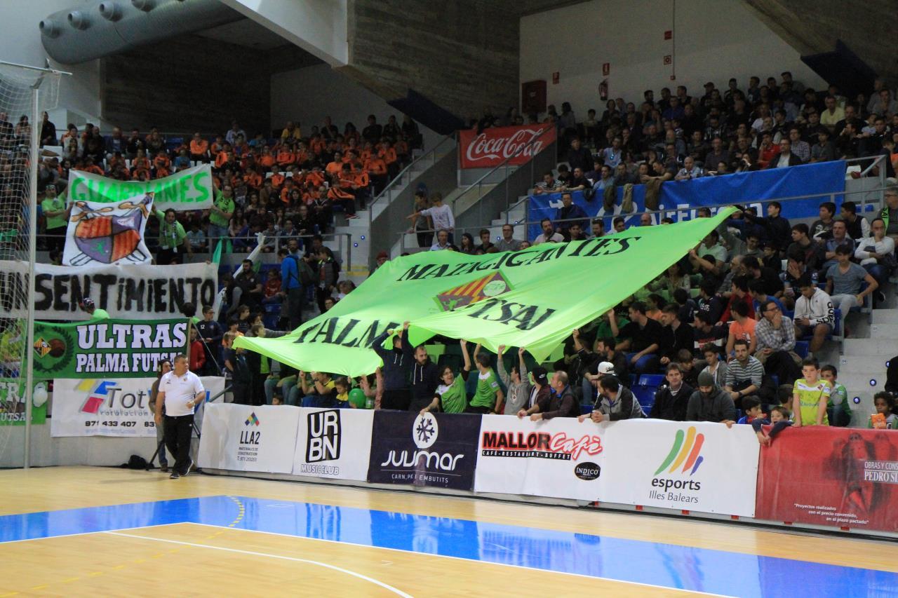La afición del Palma Futsal responde en Son Moix y fuera