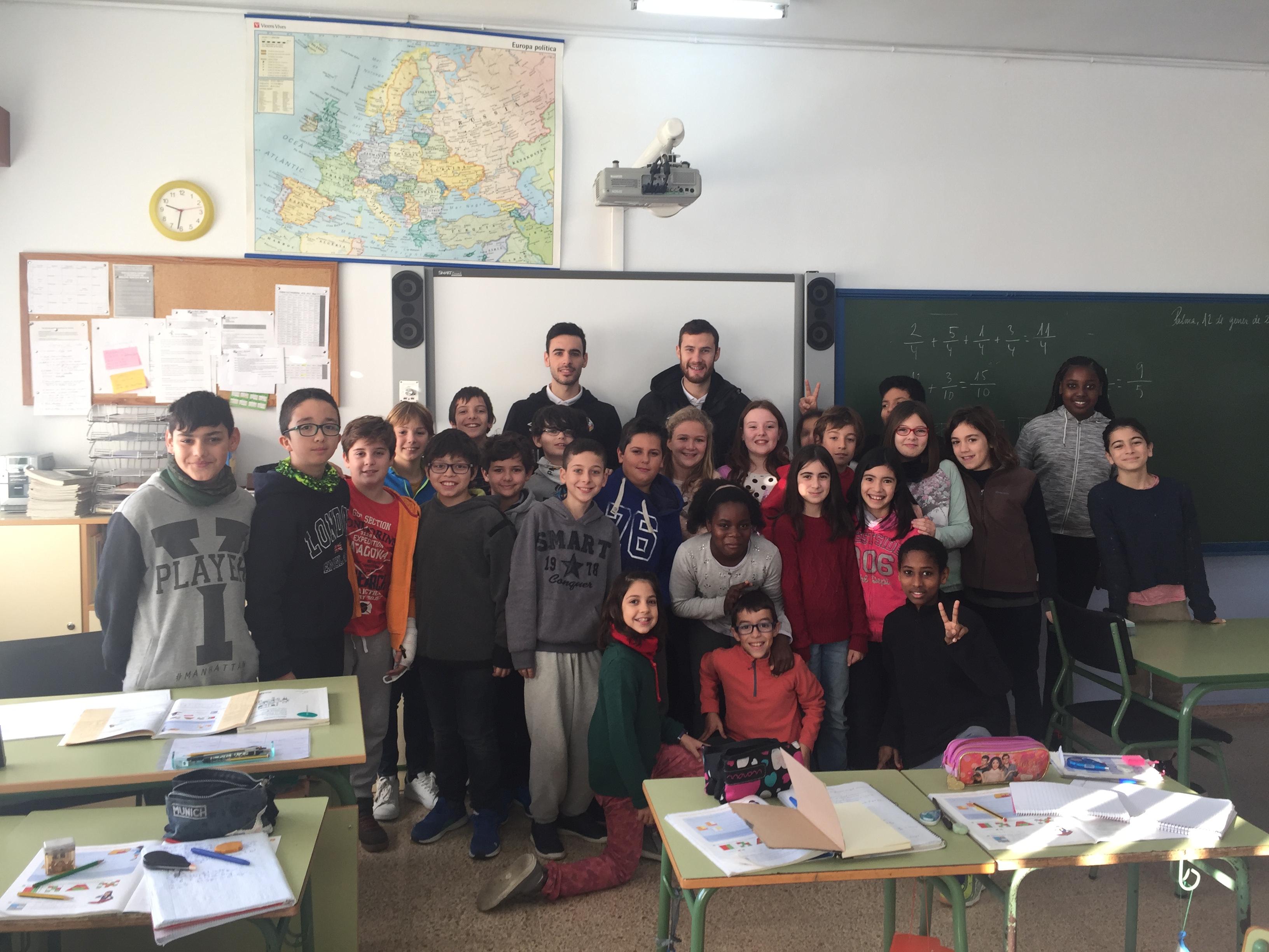 Eloy Rojas y Paradynski visitaron el colegio Aina Moll de Palma