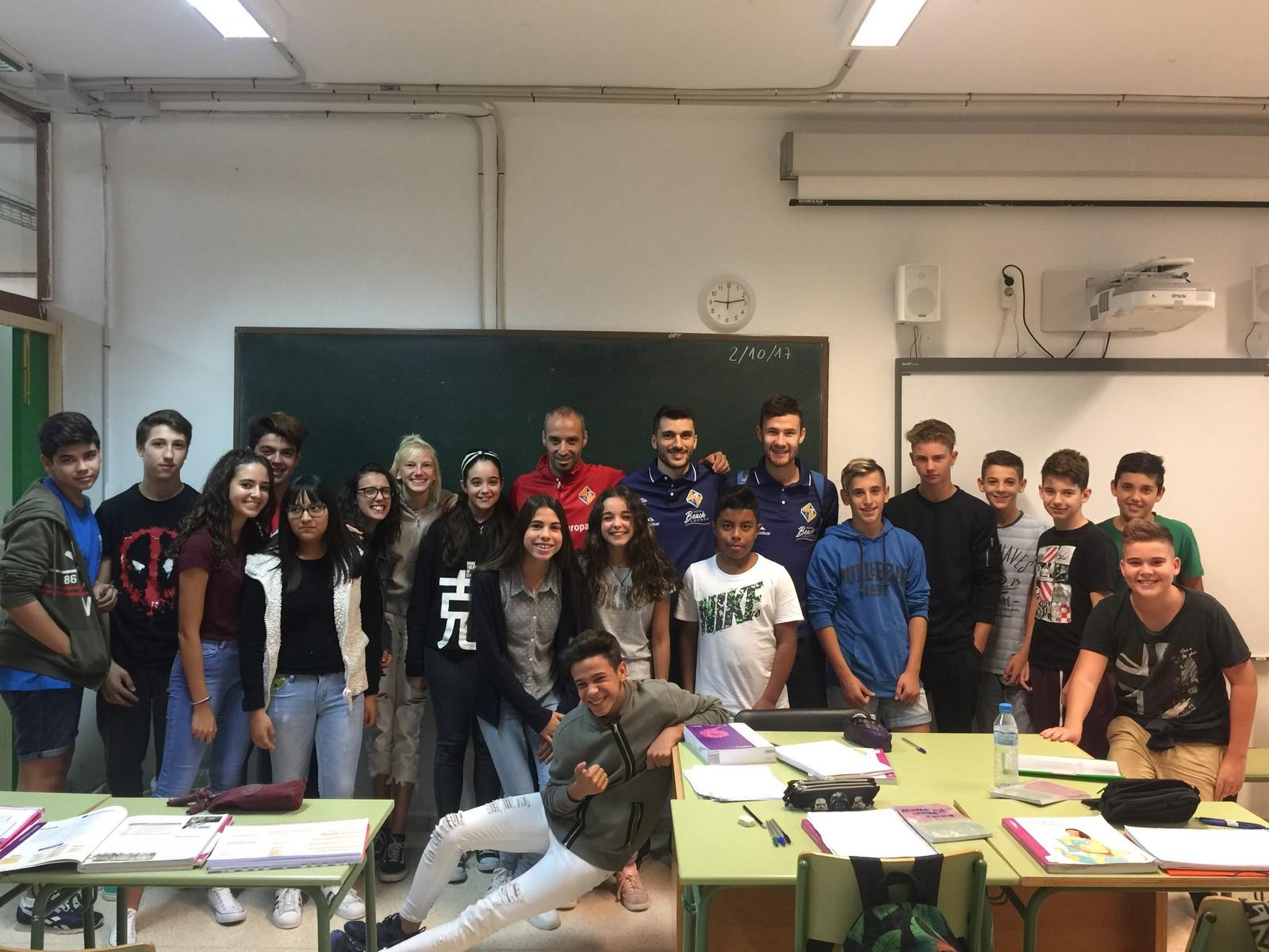 Vadillo, Lolo y Paradynski han visitado el colegio Francesc Borja Moll 1 (Copiar)