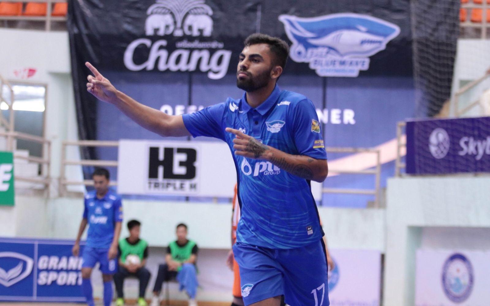 Diego Nunes en el Chonburi Bluewave tailandés 1