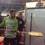 Chicho cocinó la pizza Palma Futsal