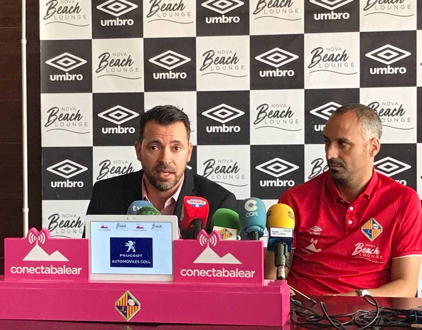 José Tirado y Antonio Vadillo durante la rueda de prensa en el Nova Beach Park (1)