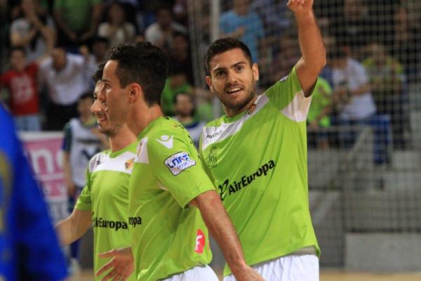 Taffy celebraba un gol en Son Moix con Joao