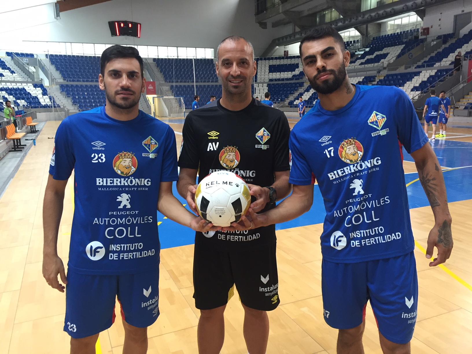 Vadillo, Quintela y Diego Nunes posan en Son Moix