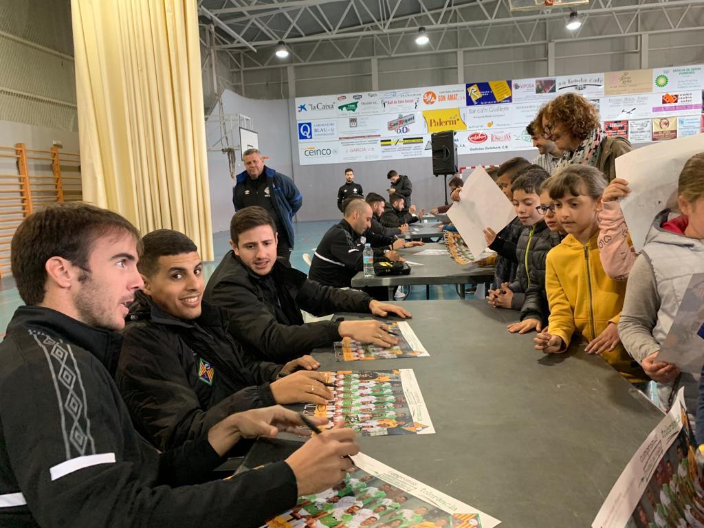 El Palma Futsal visita la Esola Nova de Porreras (3)