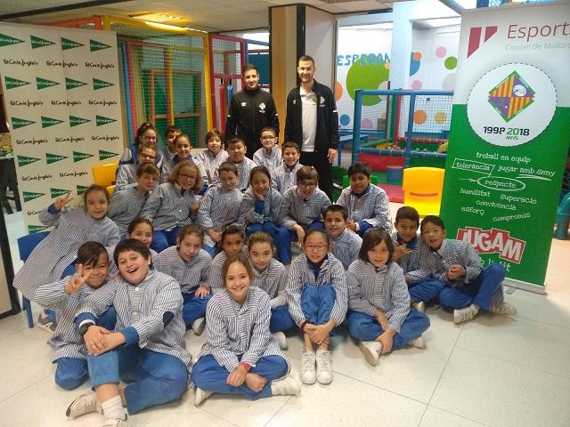 web Nico Sarmiento y Paradynski visitaron el colegio Nuestra Señora de la Esperanza (1)