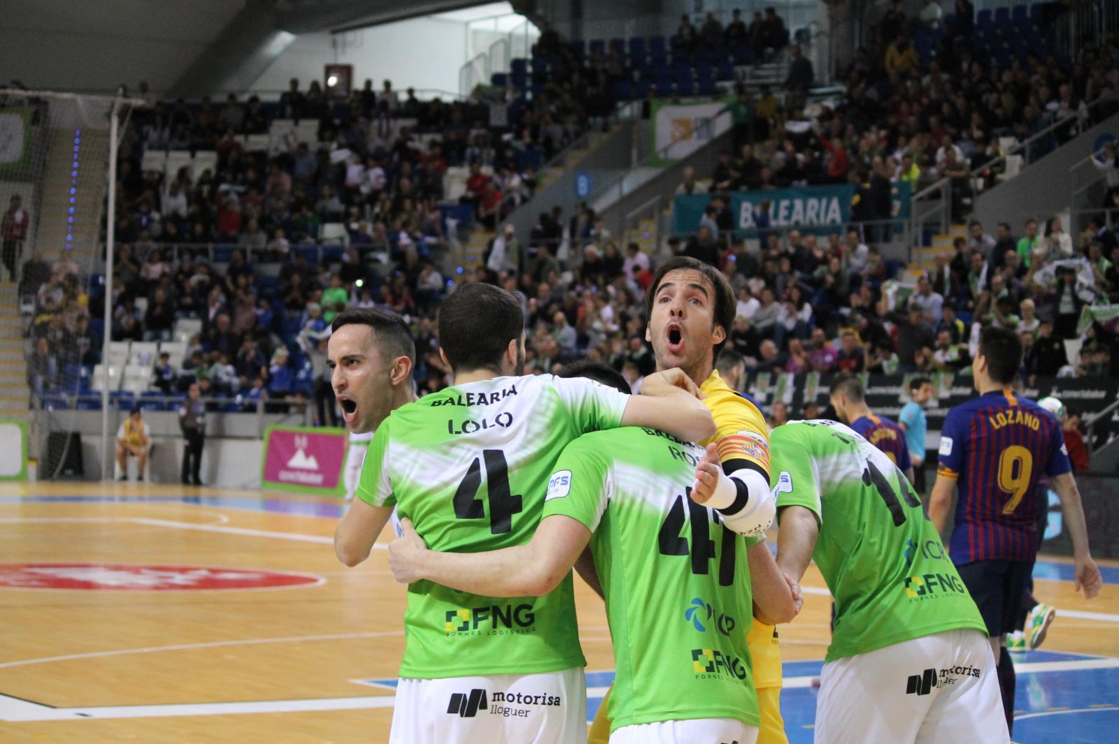 Los de Vadillo celebran la victoria (Foto: Palma Futsal)